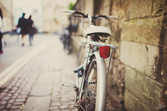 shooting in oxford (In Memory Lane~) Tags: england bike 35mm university dof bokeh mar
