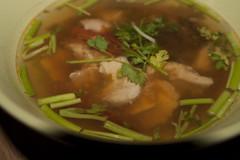 IMG_9286 x - Tom yam gai (InsaneAnni) Tags: food hot chicken dinner soup onions thai spicy küche selfmade sauer zwiebeln scharf koriander scharfe hühnersuppe thailändische tomyamgai