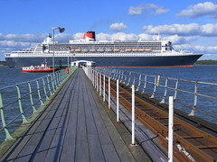 Queen Mary 2 (Hythe Eye) Tags: qm2 queenmary2 southamptonwater explored