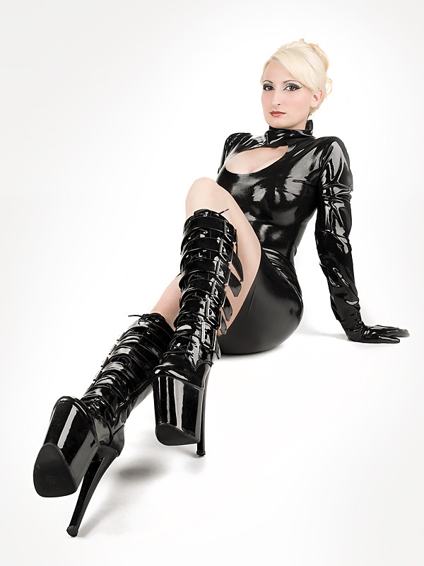 girl Latex boot