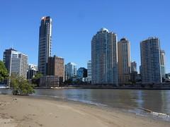 City River Beach (mikecogh) Tags: beach sand day cityscape bend brisbane clear cbd lowtide brisbaneriver