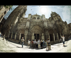 textured tourists (rromer) Tags: texture architecture cathedral tourists fisheye toledo 10mm sigma10mm