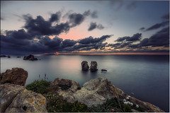 Los Urros (Caramad) Tags: longexposure light sunset sea espaa seascape marina landscape mar agua rocks puestadesol olas rocas cantabria marcantbrico losurros