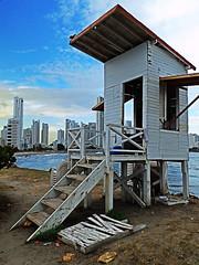 Lifeguard (Orzaez212) Tags: color blanco azul atardecer arquitectura amrica colombia playa olympus arena bolvar cartagena vacaciones caribe partlycloudy salvavidas caseta suramrica socorrista flickrtravelaward