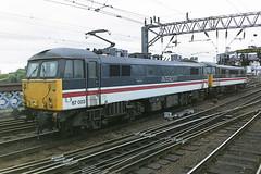 BRITISH RAIL 87003 PATRIOT + 86229 SIR JOHN BETJEMAN (bobbyblack51) Tags: station electric john design all br glasgow transport central bobo class 1993 british locomotive patriot sir railways types betjeman 870 of 86229 87003
