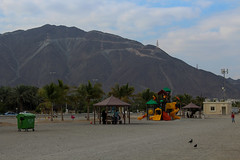 IMG_0039.jpg (svendarfschlag) Tags: family mountain beach uae swing emirates arab corniche emirate unitedarabemirates beachday fujairah khorfakkan  gulfofoman golfvonoman fudschaira chaurfakkan vereinigtenarabischenemiraten chrfakkan