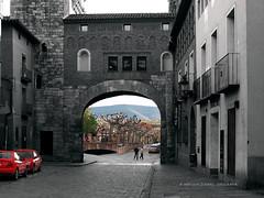 Daroca   (explore May 22th, 2016) (jos luis Zueras) Tags: espaa blancoynegro calle pueblo ciudad zaragoza aragn duotono daroca olympuse500 josluiszueras