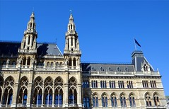 Vienna_City-Hall-1 (rhomboederrippel) Tags: vienna architecture austria cityhall sunny april fujifilm neogothic rathaus citycenter citycentre 2016 neugotik 1stdistrict 1bezirk xe1 rhomboederrippel