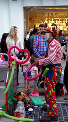 Children love this clown (Itsnotme!) Tags: summer kids children fun outdoors happy kid spring child frankfurt clown great joy balloon entertainment colourful zeil heartshaped