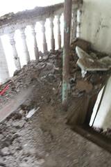 IMG_3090 (De Tuinen van Servaas en Dorothe) Tags: duiven mest dakgoot stof gebinte