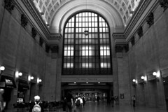 "Union Station Great Hall to platforms • <a style=""font-size:0.8em;"" href=""http://www.flickr.com/photos/59137086@N08/7007791855/"" target=""_blank"">View on Flickr</a>"