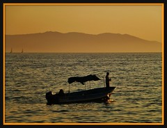Pche au coucher de soleil.  Sunset fishing . (France-) Tags: mars collage montagne bay fishing mexique puertovallarta bateau coucherdesoleil 2012 montains baie pche pecheurs flickraward worldtrekker