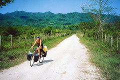 Touring Eastern Chiapas, Mxico (elpedalero) Tags: travel viaje mountain hot latinamerica americalatina nature grass bicycle america geotagged mexico cycling interesting lia map palm submarine palmtrees exotic latin heat latinoamerica tropical valledelaluna viagem colourful approach geotag chiapas recent bicycletouring biketour centralamerica humid adventurecycling unpaved iberoamerica elsubmarino sacbe landscapetropical elpedalero pedalero