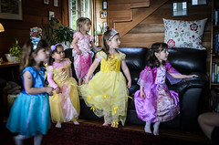 Snow White Arrives (r3m00r3) Tags: birthday mary birthdayparty 24mm snowwhite princesses 4years 24mmf28 130secatf28 nikond7000