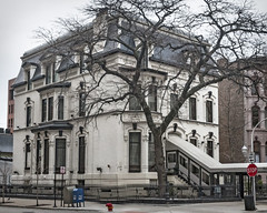 John deKoven House (1874), 1150 N Dearborn St, Gold Coast, Chicago, IL, USA (lumierefl) Tags: usa chicago building home architecture restaurant illinois midwest unitedstates 19thcentury il commercial northamerica mansion residential cookcounty secondempire goldcoast 1870s lumierefl sminor