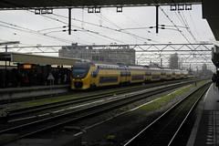 VIRM 8633 ([Publicer Transport] Ricardo Diepgrond) Tags: leiden ns 2600 intercity centraal dubbeldekker virm 8633 interregio materieel verlengd