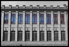 Manchester o Asturias? (juliojose88) Tags: la felguera langreo asturias espaa spain fabrica factory patrimonio industrial manchester ventanas ladrillos arquitectura arte ingls naln heritage windows almenas oviedo gijon avils siderurgia siderurgy