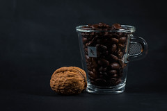 Walnut coffee (simonpe86) Tags: cup tasse coffee walnut kaffee nespresso walnuss