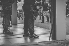 Cacetete (Mateus Art) Tags: pm cacetete policia militar braslia black white street urban urbano rua nikon d3100 dslr 1855 fade mateus art manifestao