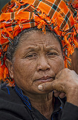 Portrait of a Pa'O woman (bag_lady) Tags: burma tribal myanmar pao shan ethnic shanstate headwear nyaungshwe rait tibetoburman inlelakearea