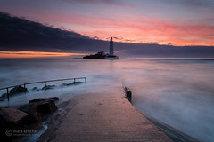 Pink glow (images through a lens) Tags: longexposure lighthouse sunrise dawn northumberland northeast causeway flooded whitleybay stmaryslighthouse
