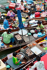 Amphawa Night Floating Market #3 (thai-on) Tags: people night river shopping thailand boat nikon market culture d3 samutsongkhram