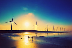 We are the world (sxhuang) Tags: leica friends sunset people beach windmill taiwan   windturbines   taichungcity m9p blinkagain leicatrielmarm14161821mmasph shixuanhuangphotography shixuanhuang sxhuang chingshueidistrict