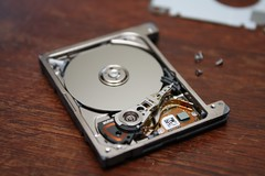 5GB On A Single Quarter Sized Platter W1N9Zr0 Tags Macro Electronics Seagate Hdd