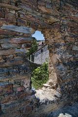 En Patones no hay patos.... (Miguel ngel Prieto) Tags: madrid muro wall piedras patones pizarra