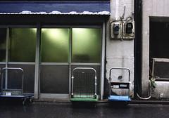 神保町 台車 Chiyoda-ku, Tokyo (ymtrx79g ( Activity stop)) Tags: color slr film japan analog tokyo voigtlander entrance 35mmfilm fujifilm 東京 135 chiyodaku jinbocho jimbocho 神保町 写真 千代田区 銀塩 フィルム 出入口 fujicast801 voigtlanderultron40mmf2slaspherical fujicolor記録用100 201204blog