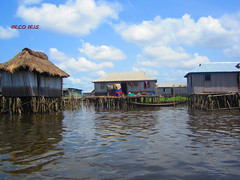 Houses On The Water (- Arco Iris -) Tags: africa houses water eau maisons benin afrique ganvi