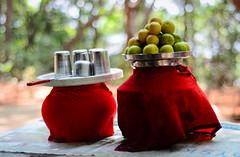 Nimbu Paani | Lemon juice ([s e l v i n]) Tags: red summer india glass 50mm glasses lemon cool dof drink bokeh heat maharashtra matheran lemonjuice nimbu matka summerdrink 50mmprime primelens matkas selvin nimbupaani