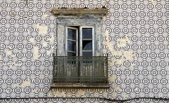 Fachada de Tavira (John LaMotte) Tags: fachada balcón azulejos tavira algarve portugal infinitexposure ilustrarportugal