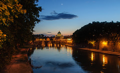 Vatican Twilight (jasonchan2) Tags: nightphotography italy vatican rome building architecture night twilight italia nightshot vaticano nocturna bluehour stpetersbasilica