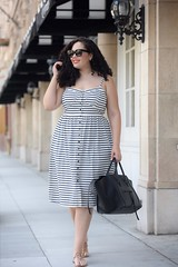 Stripes on the Town (GirlWithCurves) Tags: stripes bayarea curlyhair sundress plussizeblogger taneshaawasthi
