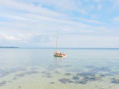 warten in der stille (thomaskrumm) Tags: lumix boot sailing silent wind fjord rgen segel warten stille flaute szene jolle limfjorden lf1 tkrumm