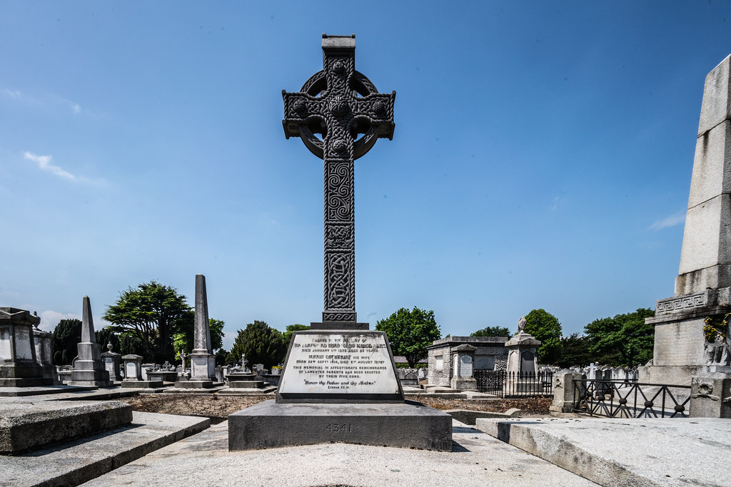 MOUNT JEROME CEMETERY AND CREMATORIUM IN HAROLD'S CROSS [SONY A7RM2 WITH VOIGTLANDER 15mm LENS]-117067