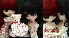 Scarlett opening her present (pure_embers) Tags: birthday uk red scarlett dark hearts friend dolls dress gothic best queen wig present hood pullip bloody pure lunatic anya embers obitsu leekeworld lunaticqueen