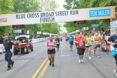 2012_05_06_KM6642 (Independence Blue Cross) Tags: philadelphia race community marathon running health runners bsr philly broadstreet 2012 ibc dailynews 10miler ibx broadstreetrun independencebluecross bluecrossbroadstreetrun ibxcom ibxrun10