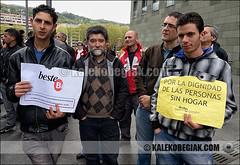 (Soniko | Kaleko Begiak) Tags: bilbao personas sin inmigrantes bi vasco euskadi bilbo pais techo beste concentracion hogar pobreza euskal herria inmigracion apoyo bestebi