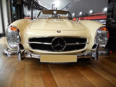 Mercedes-Benz 300 SL (1958) W198 II (Transaxle (alias Toprope)) Tags: 2996cc sixcylinderinline sporty mercedes sl mercedesbenz sport supersport super light leggera leicht retro autoretro worldcars emblem 10favs 3000views 8favs