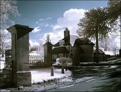 The Gate House IR (Phil 'the link' Whittaker (gizto29)) Tags: p93 ir sony cybershot infrared codurham falsecolours 630nm hamsterleymill khromagery