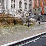 "Cleaning the Trevi Fountain <a style=""margin-left:10px; font-size:0.8em;"" href=""http://www.flickr.com/photos/14315427@N00/7186109763/"" target=""_blank"">@flickr</a>"