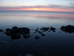 Pantai ~ Baltic Sea (Krisna Setiawan) Tags: sea europe sweden baltic gotland scandinavia vanna visby eropa skandinavia grammofon swedia northernislands krisnasetiawan