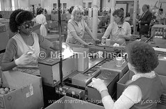 87061031.jpg (Martin Jenkinson Images) Tags: lighting blue people blackandwhite white black industry lamp monochrome bulb female work blackwhite women track industrial unitedkingdom 1987 line 80s production worker manual collar thorn 1980s making 87 filament assembly greyscale bluecollar makers manufacture gbr manufacturing productionline thornlighting