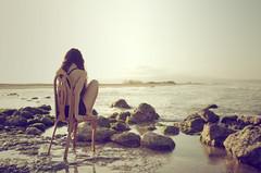 Sube la marea (laororo) Tags: sea woman water catalunya lonelyness marea deltadelebro ritaeljebari