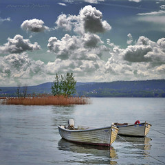quadro con nuvole e barche (pamo67) Tags: lake water lago acqua greatphotographers naturepoetry flickraward absolutegoldenmasterpiece bestcapturesaoi elitegalleryaoi flickraward5 mygearandme mygearandmepremium mygearandmebronze mygearandmesilver mygearandmegold mygearandmeplatinum mygearandmediamond inspiredchoice flickrawardgallery awardlogopage silverawardlostcontperdidos goldenawardlostcontperdidos pamo67 magicmomentsinyourlife quadroconnuvoleebarche squarewithcloudsandboats awardlostcontperdidos