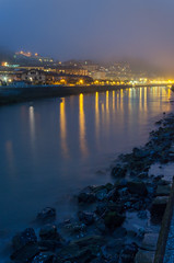 Anochecer en la ria. (Txurtu) Tags: costa fog coast twilight shore niebla ria anochecer deba seainlet