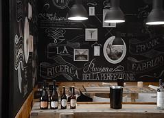 Vinitaly 2014 (greta.ferrari - ombre a colori) Tags: stand wine verona e bianco nero vino bottiglie kon