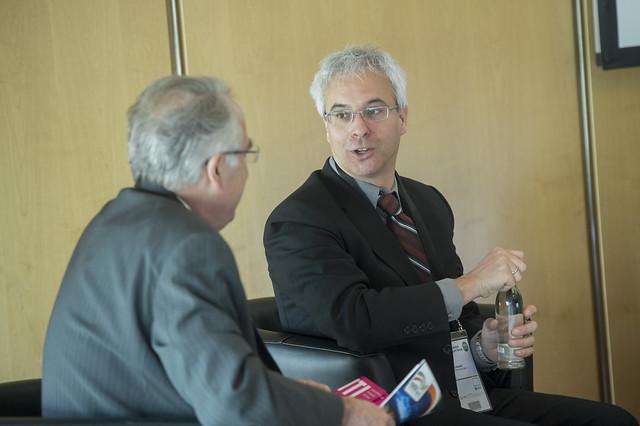 Scott Streiner discusses with Denis Choumert